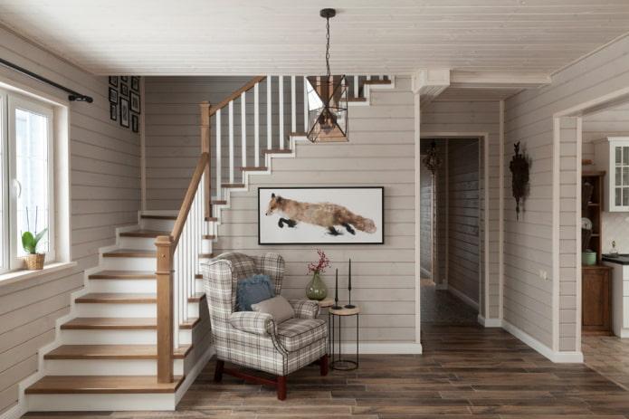 escalier de vol à l'intérieur d'une maison privée