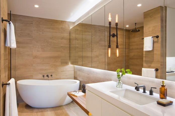 murs en bois dans la salle de bain