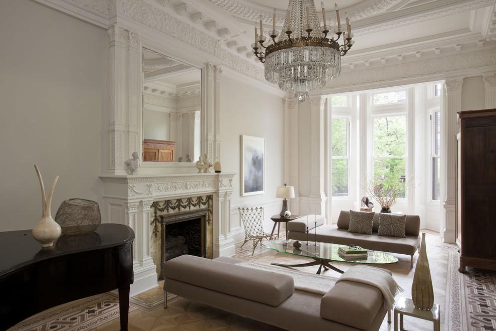 Le salon néoclassique sera l'incarnation du luxe noble dans la maison