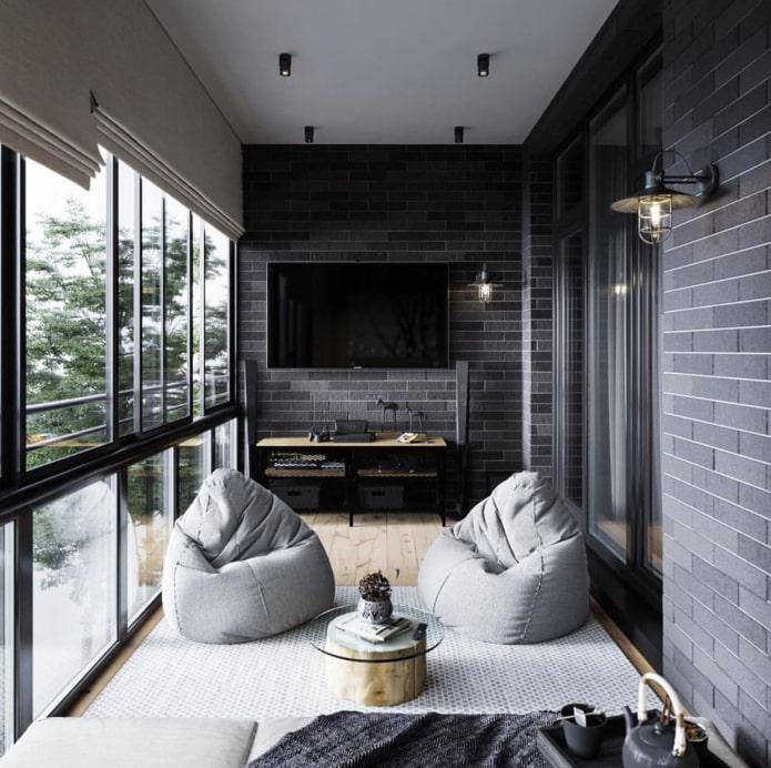 Loggia avec fenêtres panoramiques