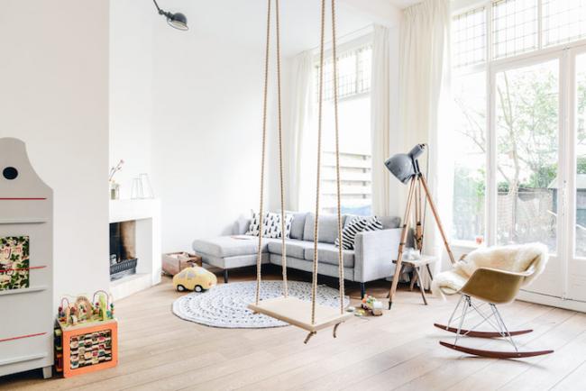 Les jeunes familles vivant dans un petit appartement ne peuvent tout simplement pas se passer d'une zone pour enfants