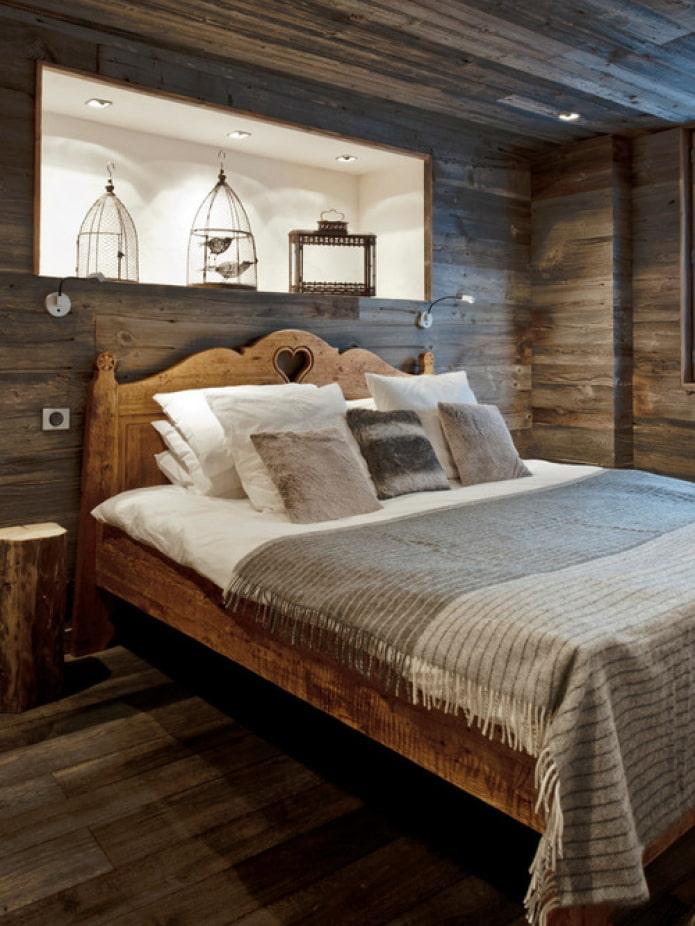 lit en bois pour une résidence d'été