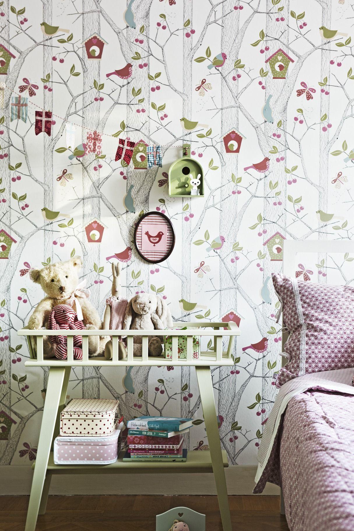 Photo 4 - Le papier peint avec un motif naturel est parfait pour la chambre d'un jeune explorateur