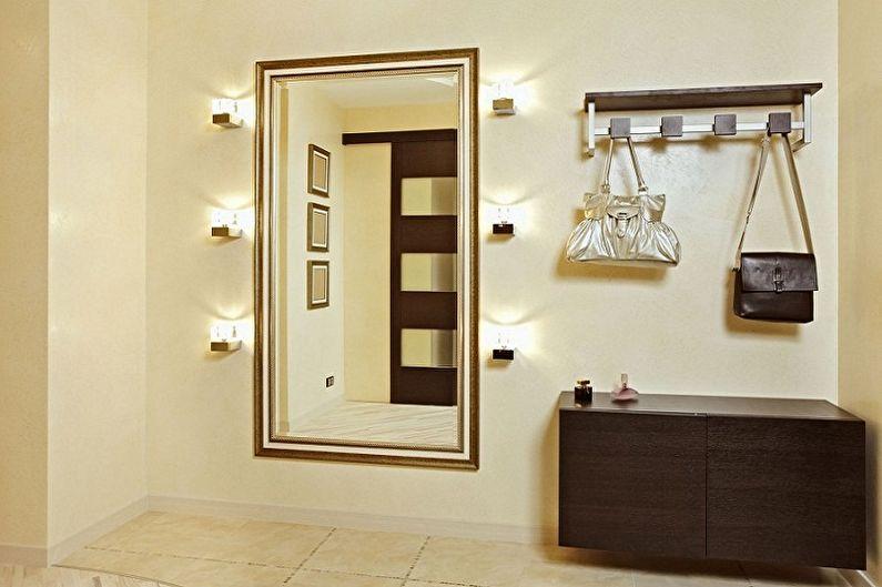 Types de miroirs dans le couloir - Formes et tailles