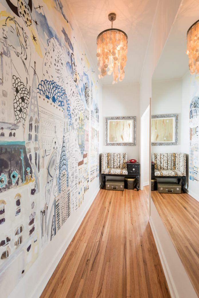 papier peint dans un couloir lumineux