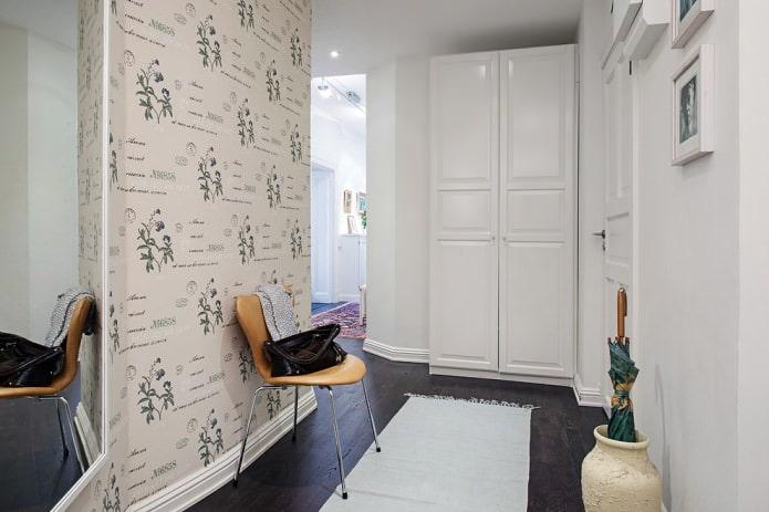 conception légère d'un petit couloir