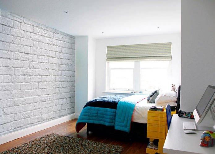Papier peint sous brique blanche dans la conception de la pépinière