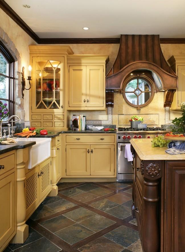 Carreaux de grès cérame au sol d'une cuisine chaleureuse et cosy