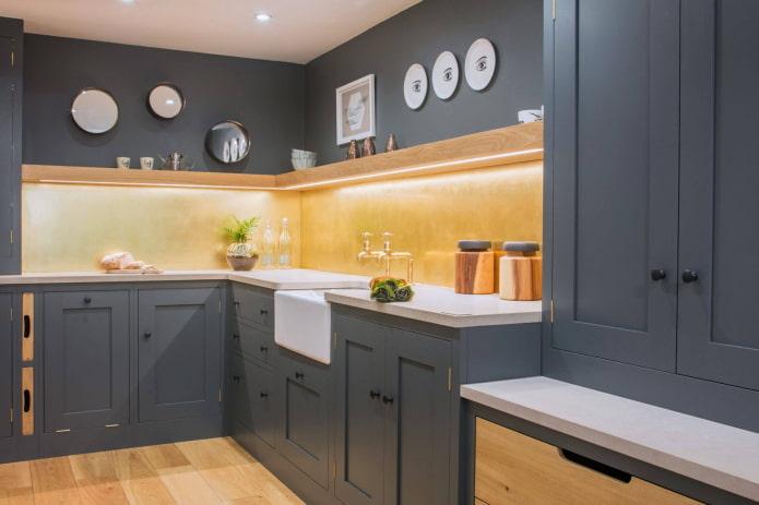 intérieur de cuisine en gris foncé