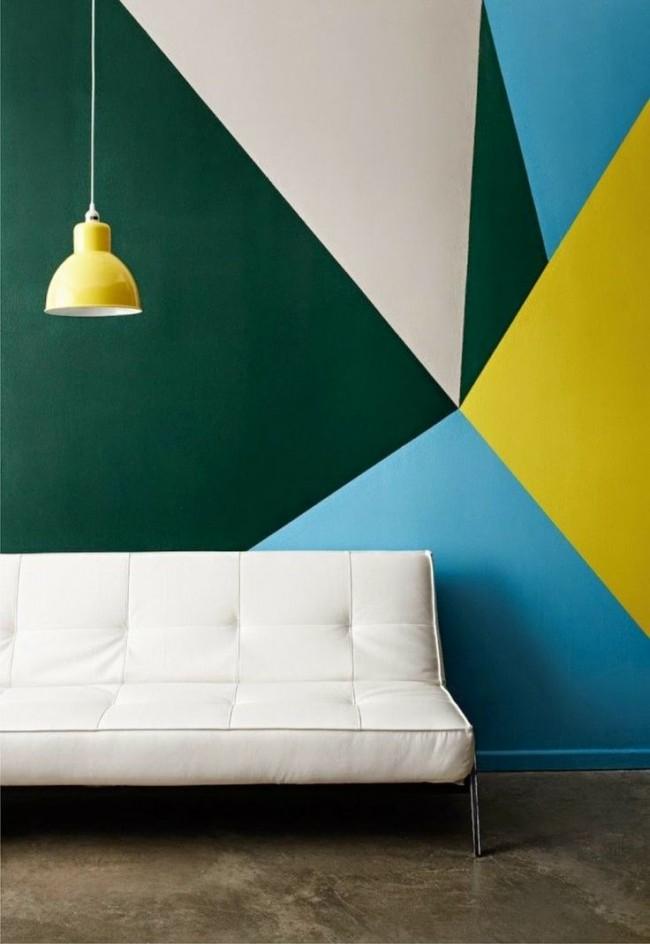 Géométrie de couleur sur le mur