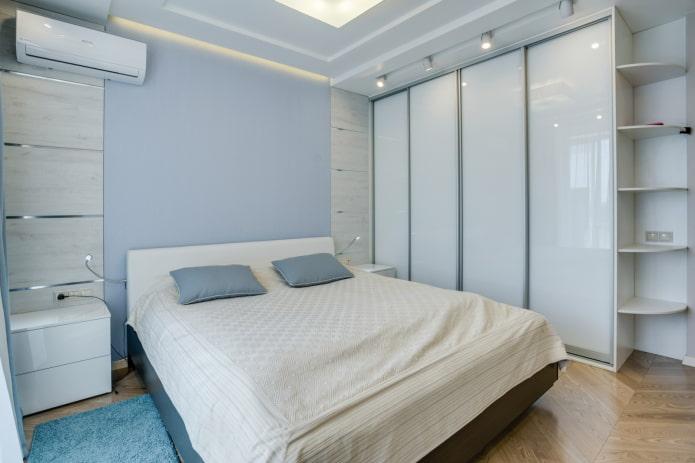 armoire dans une teinte blanche à l'intérieur de la chambre