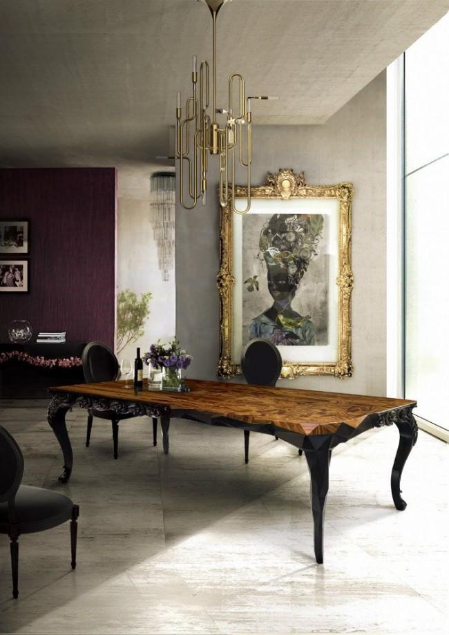 Dorures, meubles découpés et contrastes de teintes, l'intérieur moderne a l'esprit du XVIIe siècle.