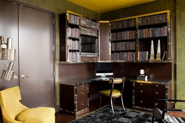 Une table avec des étagères spacieuses qui s'intégreront dans un design à thème - steampunk, style geek et autres