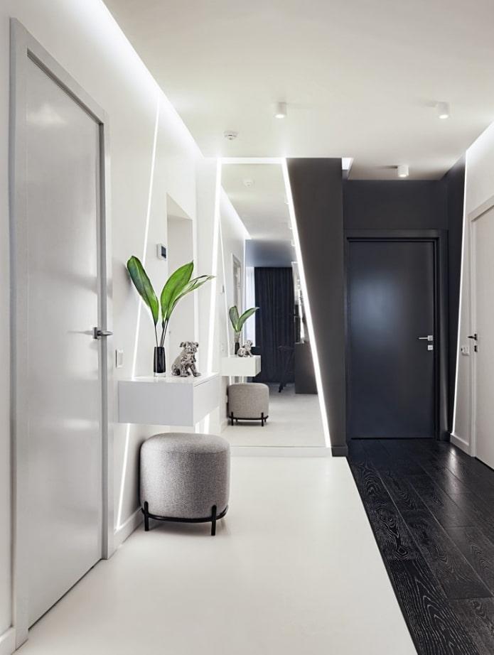 décor à l'intérieur du couloir dans un style high-tech