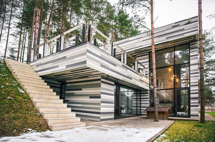 maison de campagne avec fenêtres panoramiques