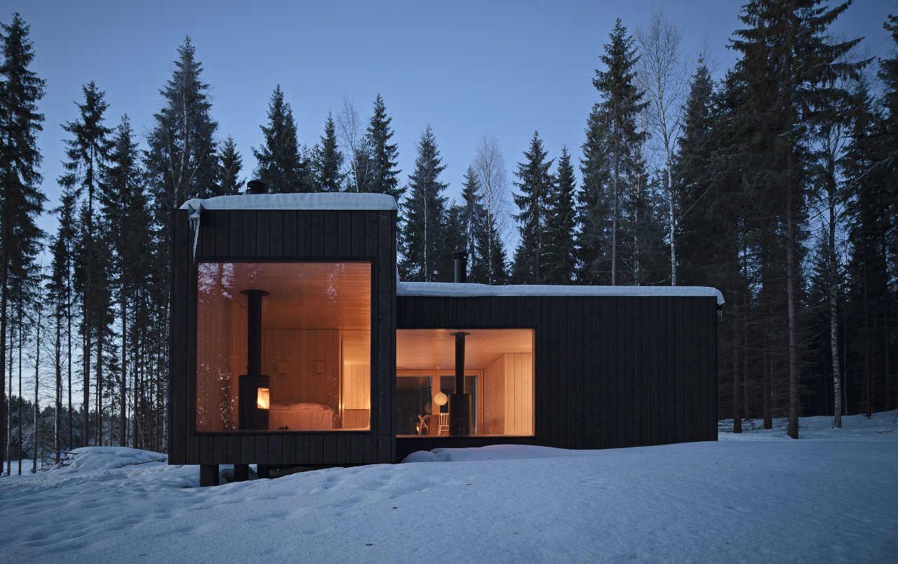 maison de plain-pied avec fenêtres panoramiques