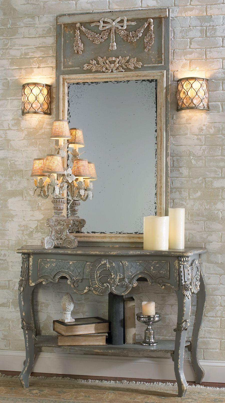 Panneau miroir avec une table d'appoint