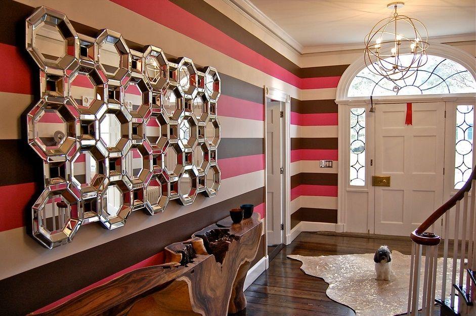Hexagones en miroir avec étagère en bois