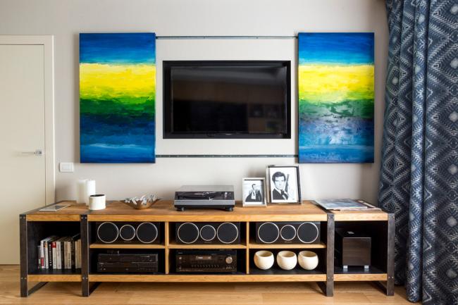 L'image modulaire couleur peut masquer avec succès le téléviseur