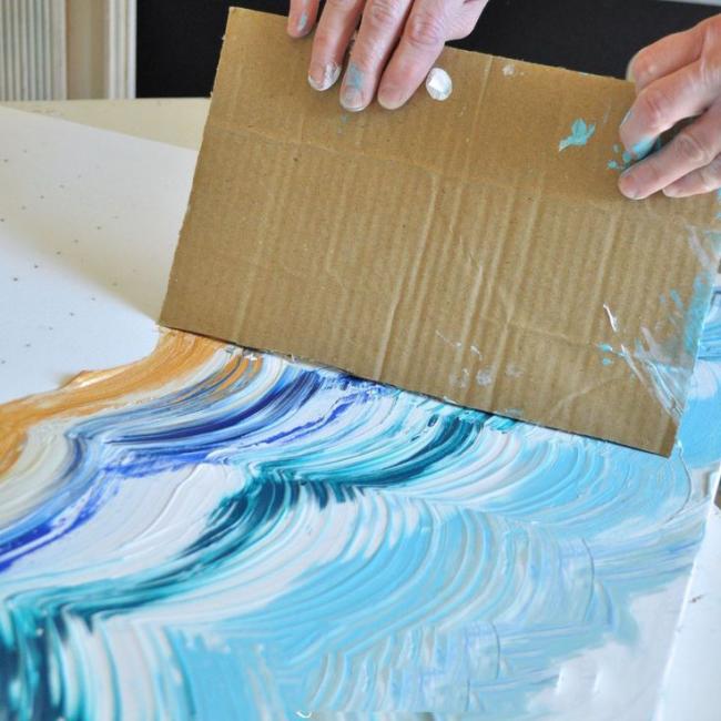Travailler avec des peintures, en utilisant des moyens improvisés
