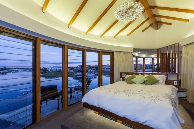 Chambre luxueuse avec vue panoramique sur la baie