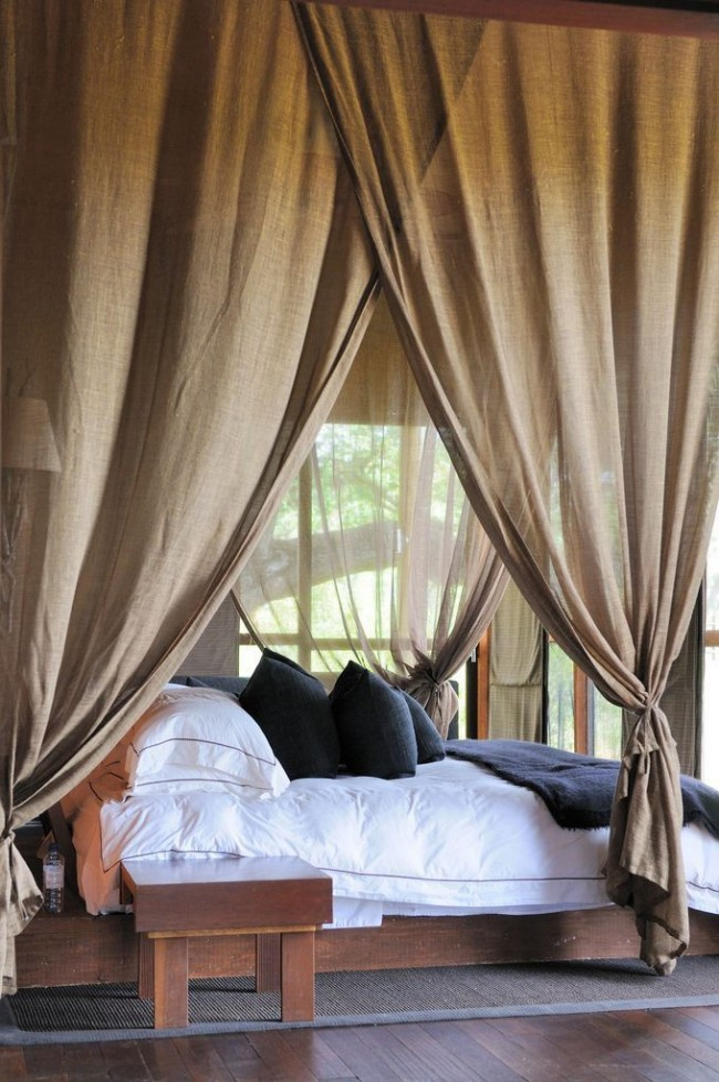 Couvre-lit en lin, mettant en valeur l'espace nuit