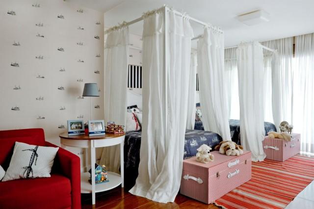 Auvent comme bel élément de conception de lit