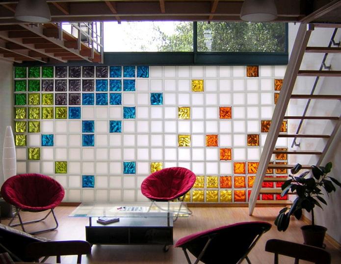 blocs de verre colorés à l'intérieur