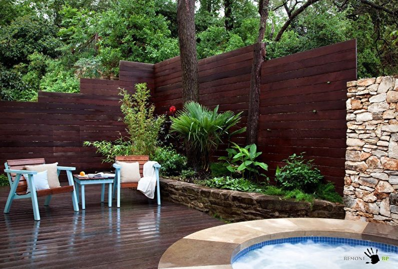 Clôtures en bois pour une maison privée - photo