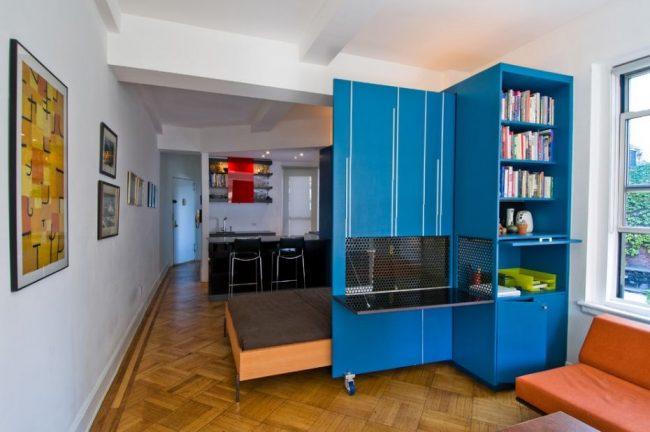 Meuble convertible multifonctionnel pour un petit appartement