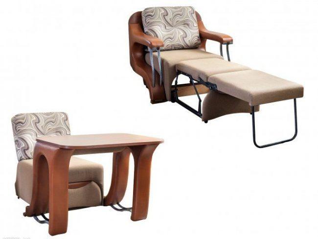 Chaise pliante et table en un seul meuble