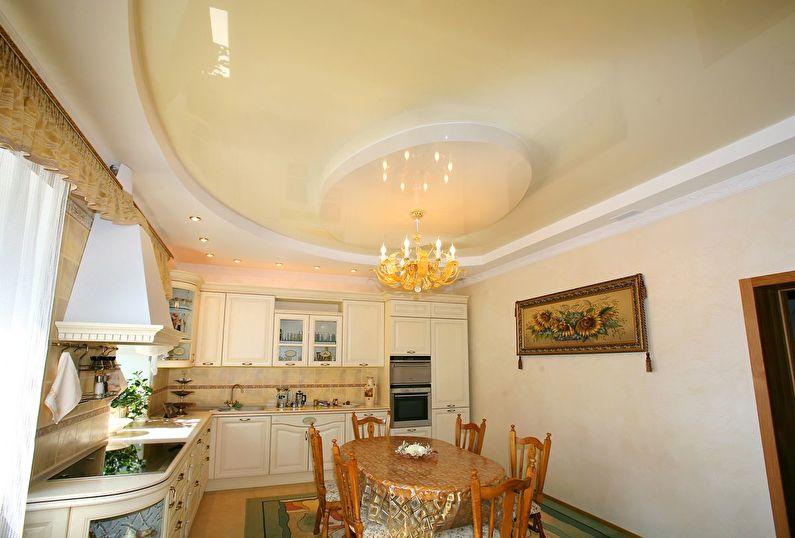Faux plafond dans la cuisine - photo
