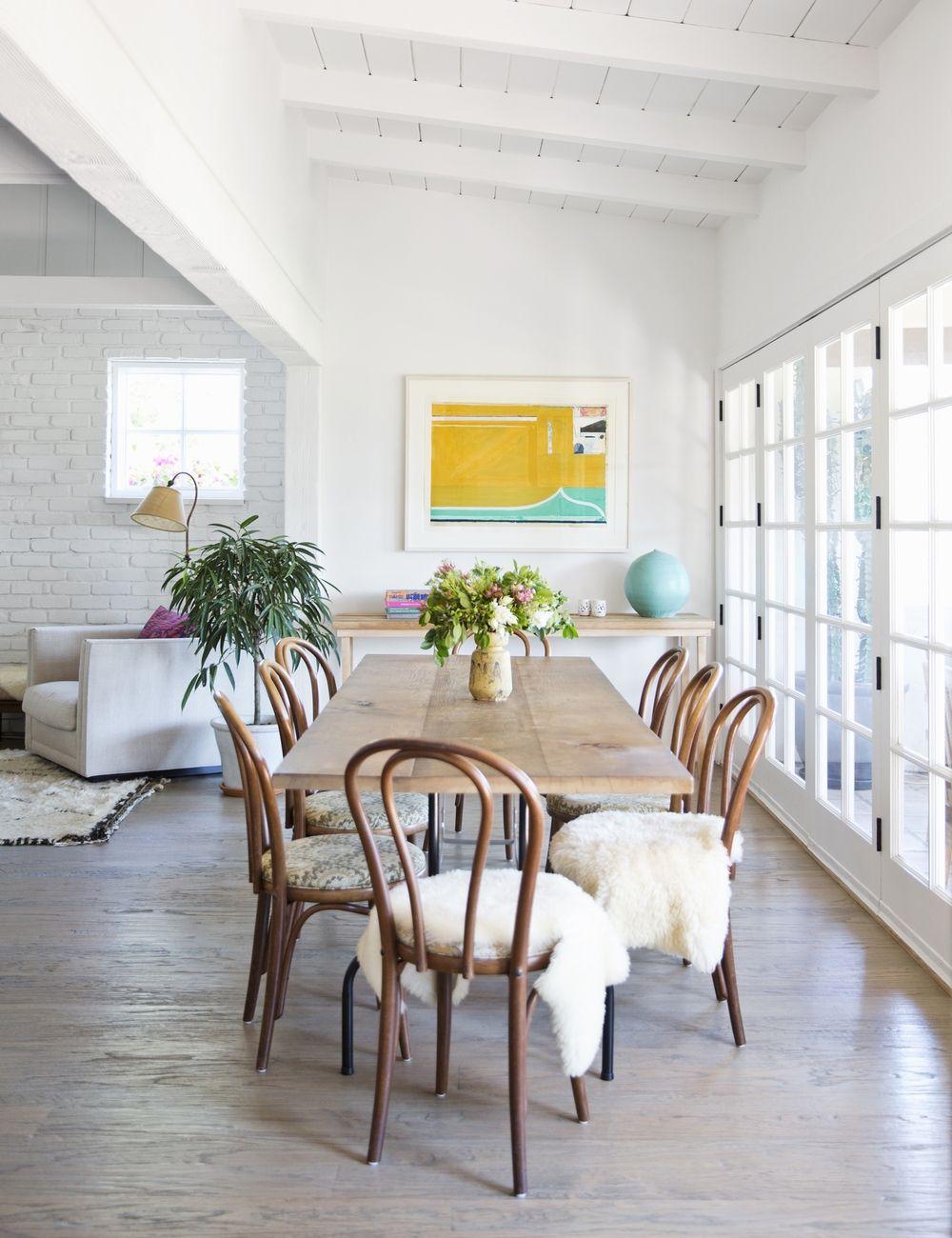 Brique, bois naturel, verre sont des attributs obligatoires du style minimalisme