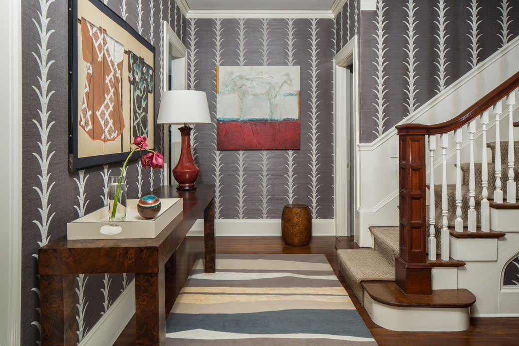 Style classique dans la conception du couloir d'une maison privée