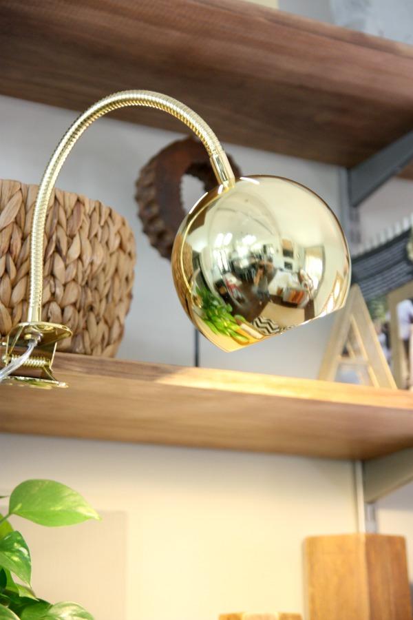 Photo 15 - Lampe