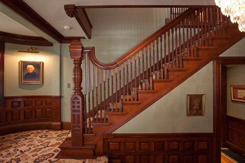 Rampe d'escalier en bois