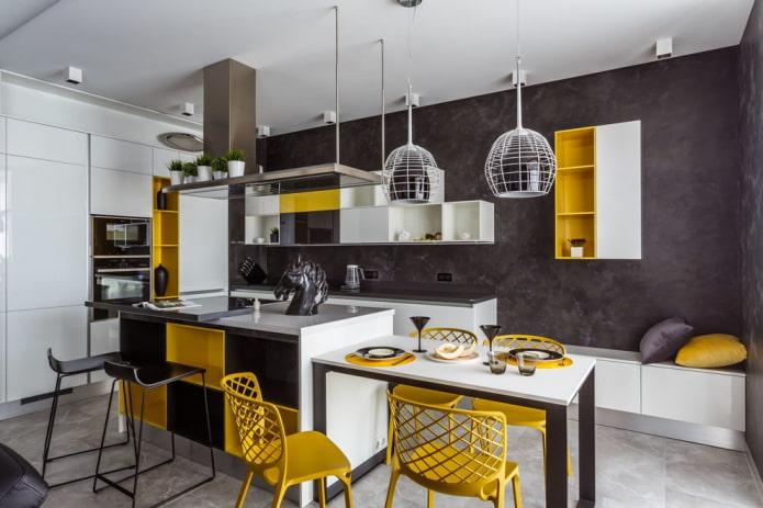 plâtre noir à l'intérieur de la cuisine