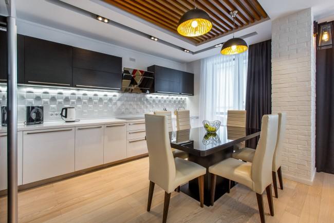 Rideaux couleur graphite et tulle blanc pour la cuisine moderne