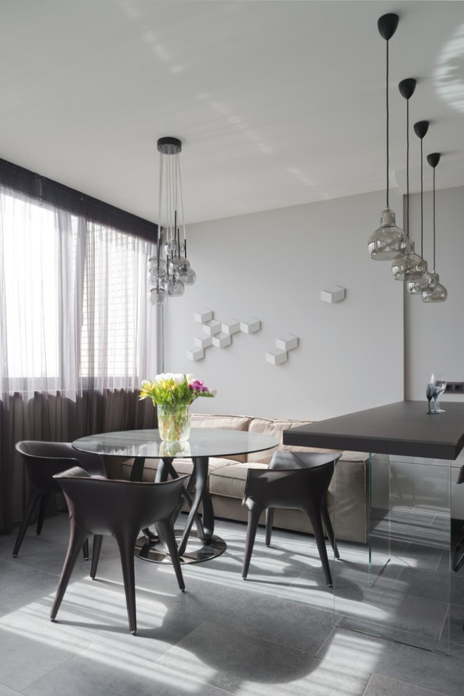Nuances de graphite pour la décoration des fenêtres dans les intérieurs modernes