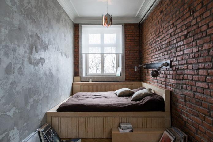 loft dans une petite chambre