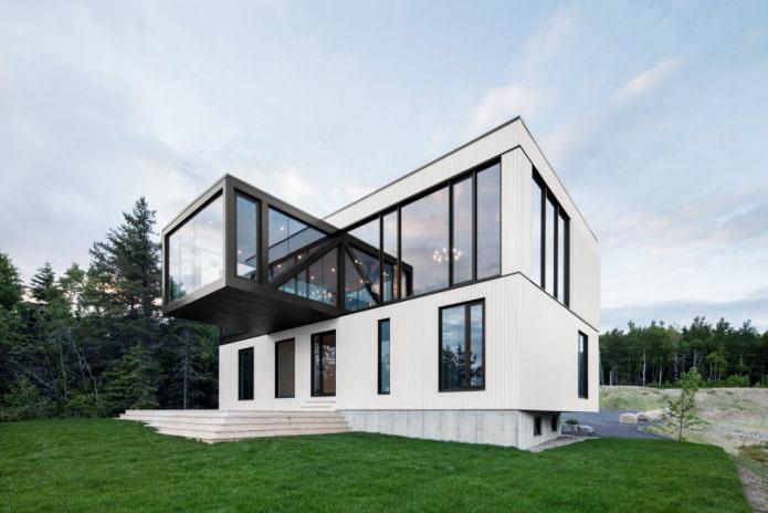 maison high-tech à deux étages