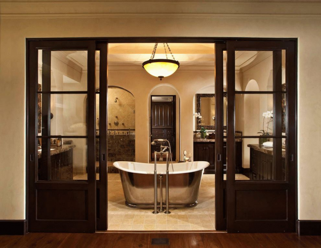 Portes coulissantes combinées de luxe en bois naturel et verre