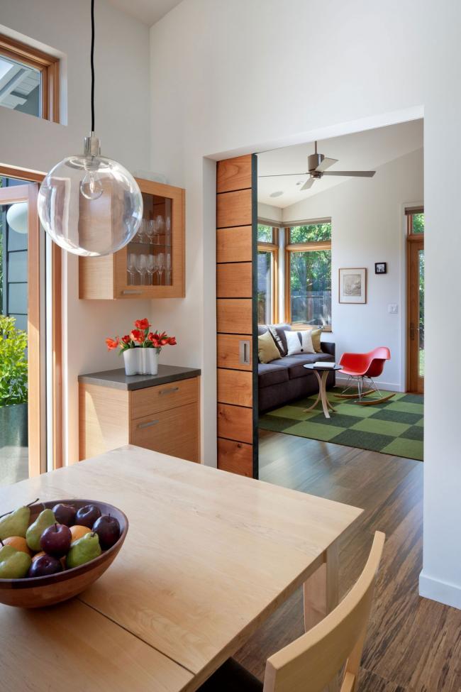 Portes coulissantes intérieures à cassette en bois naturel