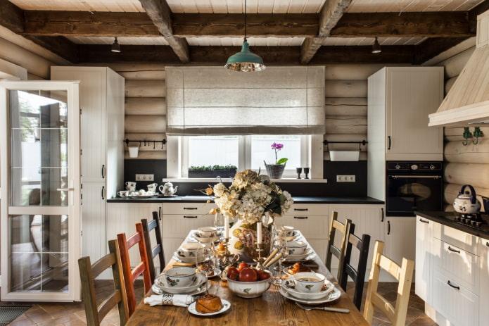 Intérieur de maison en rondins de style scandinave