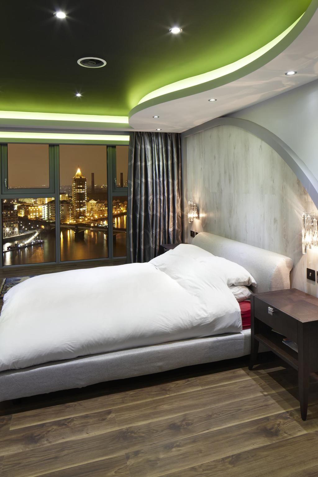Changer l'ambiance d'une pièce avec des plafonds à deux niveaux est beaucoup plus facile.