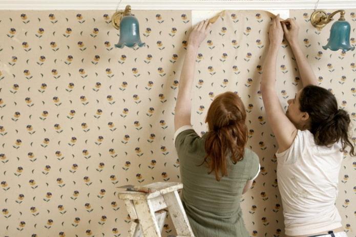 Comment enlever le vieux papier peint des murs ?