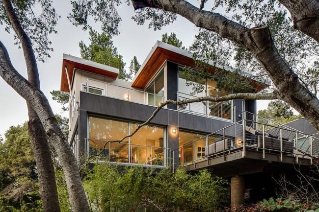 Maison de falaise high-tech