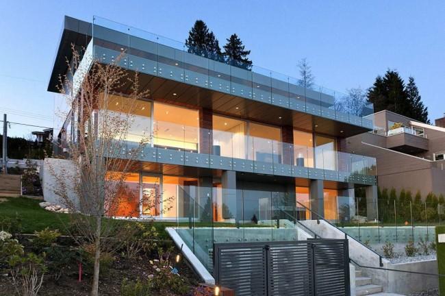 Jolie maison high-tech à deux étages
