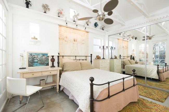 Un lit en fer forgé peut être acheté tout fait ou commandé selon votre croquis