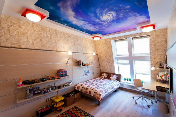 plafond avec un ciel étoilé